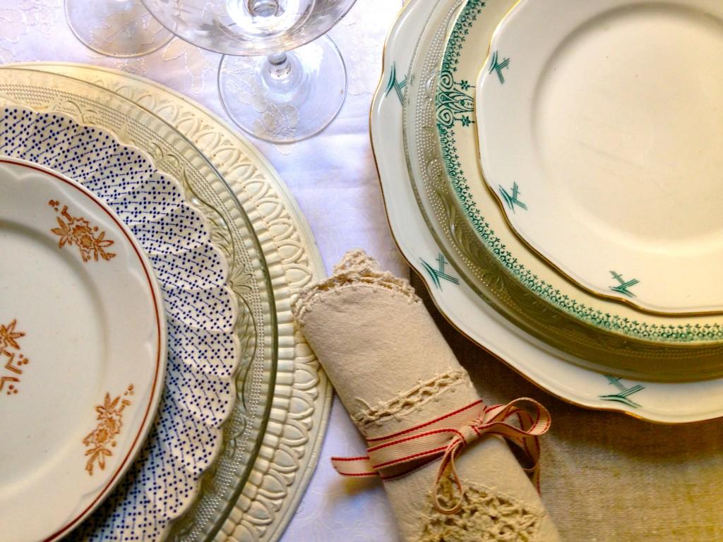 apparecchiare-tavola- feste-natale-vintage